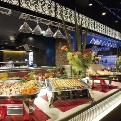 ☆シェフ特製の美食ビュッフェもご用意☆  毎回店舗特製のいろんな種類のドリンクもご用意しております!   *会場によりビュッフェ及びドリンクのメニューは異なります。
