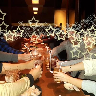 揃ったテーブルごとに「「「乾杯!!」」」 待ち時間も無駄にならないと大好評です♪