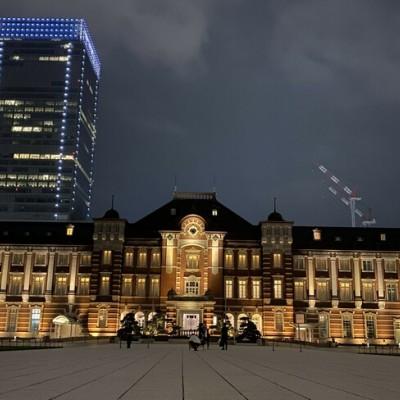 東京駅の正面です★夜はライトアップされているので、とても幻想的ですよ♪