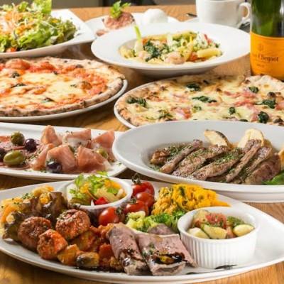 豪華イタリアン料理、飲み放題つき! 大好評の美味しいイタリアン料理、アルコールドリンク、ソフトドリンク、バーテンダーが手作り致します! お料理もビュッフェ形式ではなく、店員さんがご丁寧にお席までお持ちいたします。 もちろんフリードリンクで飲み物たくさんご用意しております!