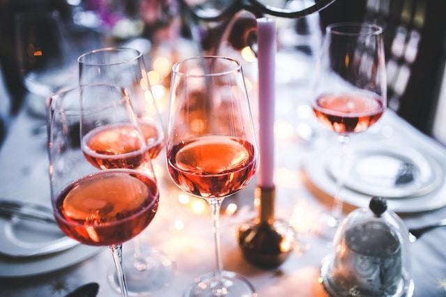 ソムリエ料理人の欧風料理を楽しむワイン会